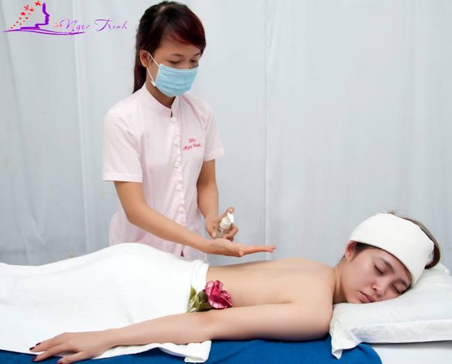 https://spangoctrinh.com/dao-tao/dao-tao-massage-body-hoc-massage-body-khoa-hoc-nghe-uy-tin.html